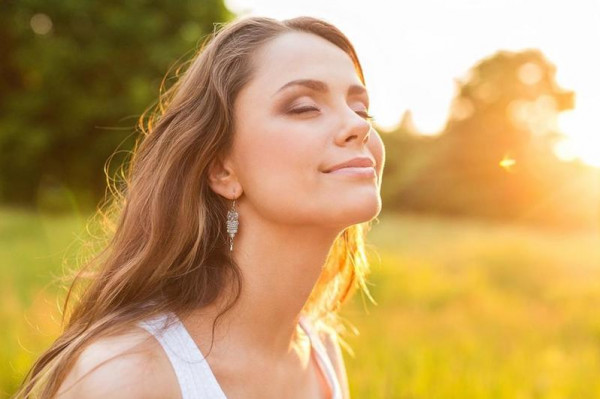 5 عناصر طبيعية لـ علاج حروق الشمس
