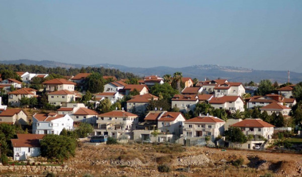 إخطارات ببناء مئات الوحدات الاستيطانية في بلدة دير إستيا