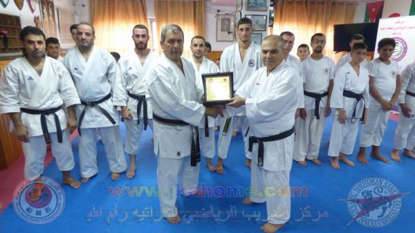 مركز التدريب الرياضي يستضيف رئيس الاتحاد الفلسطيني للكاراتيه الخبير محمد البكري