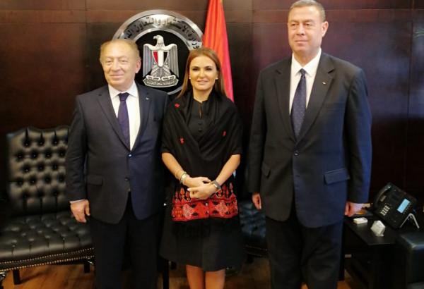 فلسطين ومصر تتفقان على تشجيع الاستثمار ورفع حجم التبادل التجاري بينهما