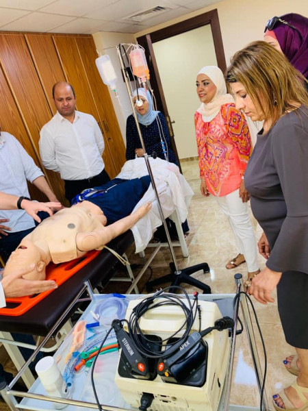 فريق من جامعة النجاح يشارك في دورات للتدريب في إنعاش القلب والتنفس