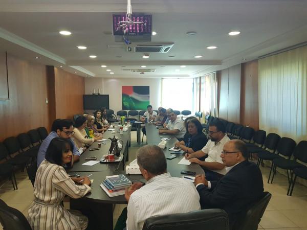 دائرة العمل والتخطيط  بمنظمة التحرير تنظم محاضرة بعنوان (الأبحاث الاعلامية)