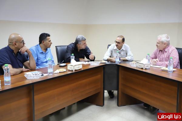 بلدية دورا تلتقي ممثلة التحالف الدولي للموئل لبحث سبل التعاون