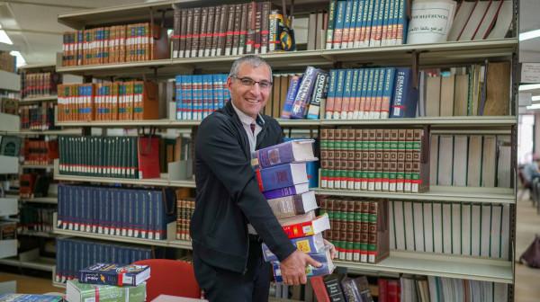 """أستاذ حاسوب بجامعة بيرزيت يفوز بجائزة """"شومان"""" للباحثين العرب"""