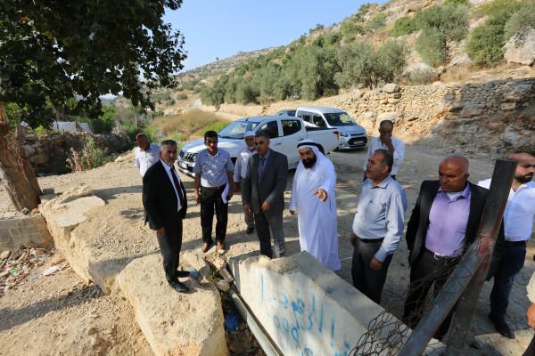 وزير الحكم المحلي يَطّلع على احتياجات كفر عين والنبي صالح