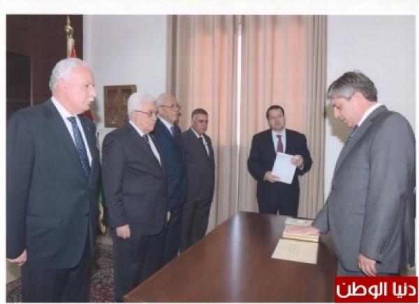 طوباسي يُسلم رئيس الجمهورية ورئيس الوزراء اليوناني رسائل من الرئيس عباس