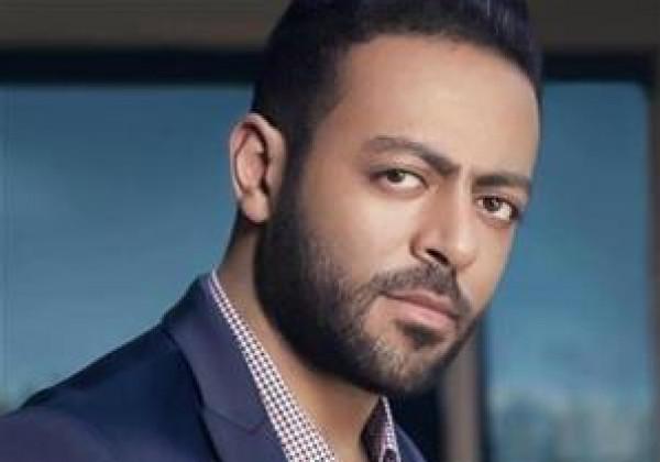 تامر عاشور يعلن خطوبته على مرشحة مصر لمسابقة ملكة جمال الكون