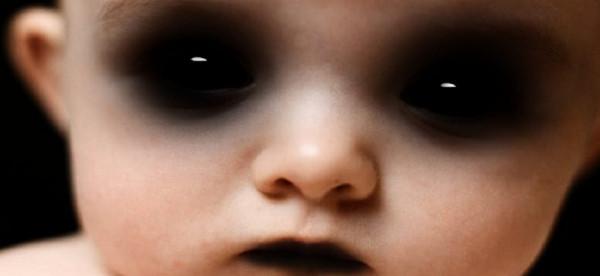 """""""الطفلة الشريرة"""".. فحص حمل يثير الرعب في قلب أم أمريكية"""