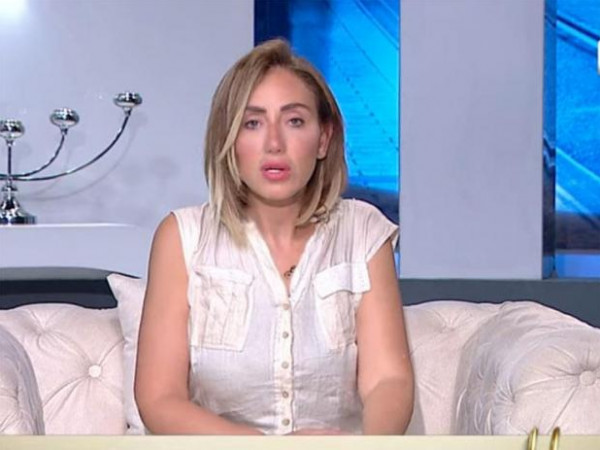 """""""لوك"""" جديد لريهام سعيد بعد منعها من الظهور إعلامياً: """"هنعيش مرة واحدة"""""""
