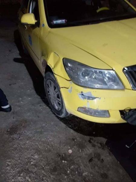 المستوطنون يهاجمون مركبات المواطنين جنوب جنين