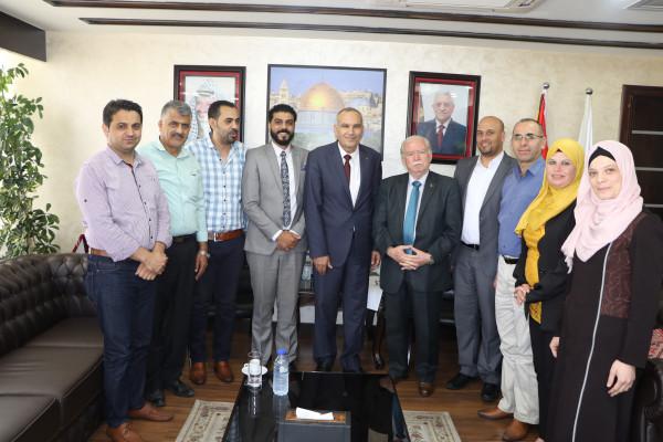 وزيرالاتصالات يتفق مع رئيس بلدية روابي على افتتاح مكتب بريد للمدينة
