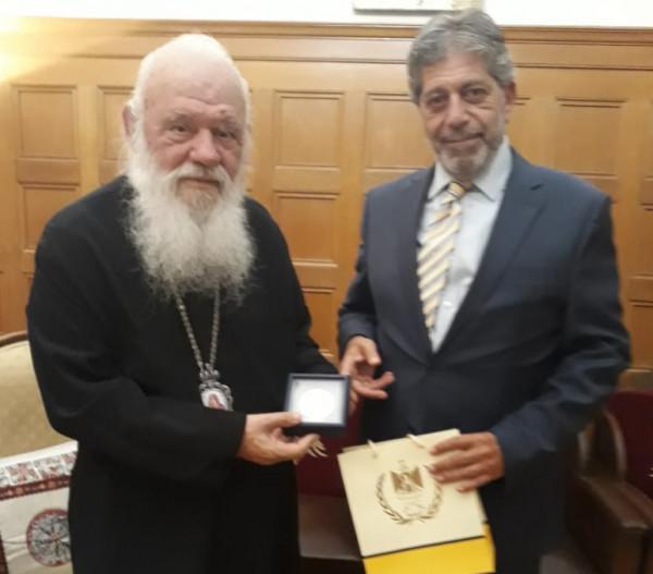 السفير طوباسي يلتقي رئيس اساقفة اليونان