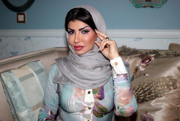 مصممة سعودية تقترح ألوانًا خاصة بالأزياء العربية