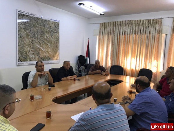 """""""كهرباء القدس""""تعقد اجتماعا مع بلدية ابو ديس لمناقشة الوضع الكهربائي في المنطقة"""