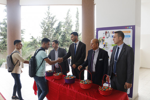 جامعة فلسطين تستقبل الطلبة الجدد في العام الدراسي الجديد