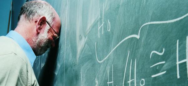 انتقاماً منه.. طالب اسكتلندي يعتدي جنسيا على مدرسه
