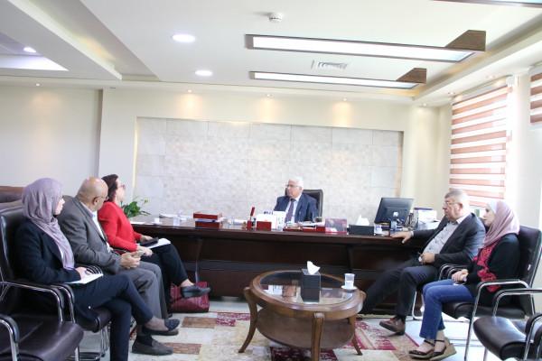 جامعة بوليتكنك فلسطين تستقبل مسؤولة المنتدى العربي الأمريكي لسيدات الأعمال