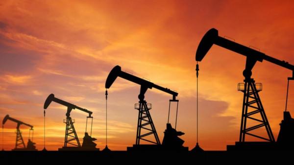 أسعار النفط تصعد عالمياً بنسبة 15% بسبب هجمات السعودية