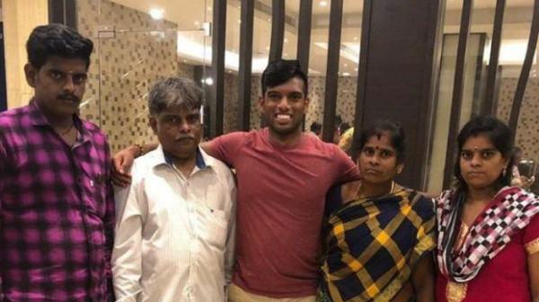 أسرة هندية تعثر على نجلها الذي خطف قبل 20 عاماً واشترته أسرة أمريكية