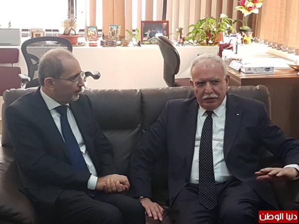 الوزير المالكي يلتقي نظيره الاردني على هامش الاجتماع الاستثنائي لمنظمة التعاون الاسلامي
