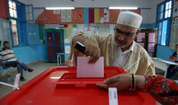 الانتخابات التونسية.. نسبة تصويت ضعيفة وتوقعات بجولة ثانية