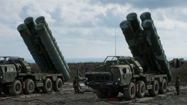 روسيا تنشر منظومة الدفاع الجوي (S-400) قرب القطب الشمالي
