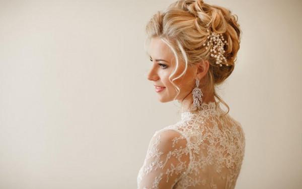 خلطات من الزيوت الطبيعية تجدد شعر العروس