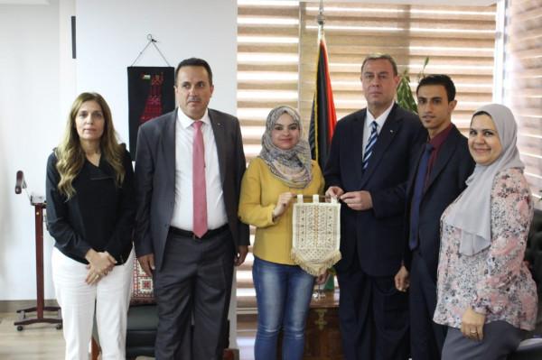 د. دواس يلتقي سفير دولة فلسطين في القاهرة