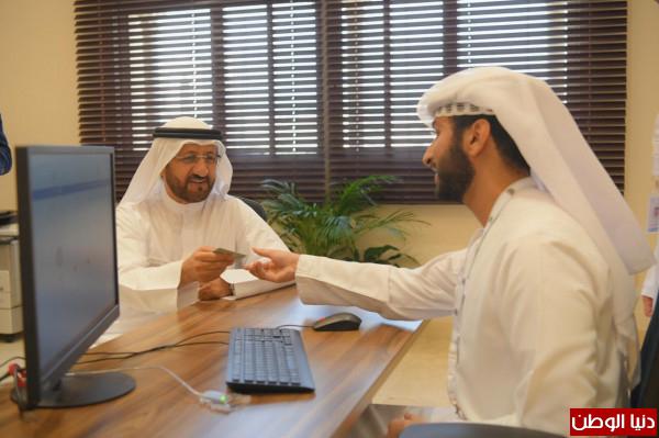 موظفو دائرة شؤون الضواحي والقرى يشاركون في التسجيل بالقوائم الانتخابية للمجلس الاستشاري