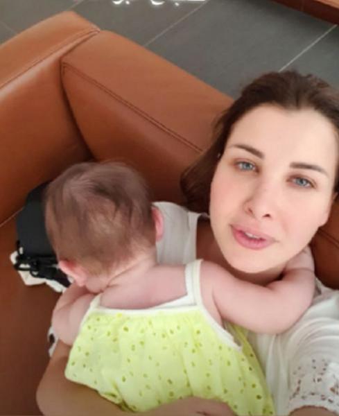 صور تكشف ملامح ليا ابنة نانسي عجرم بوضوح.. نسخة عن والدتها