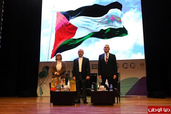 اشتية: الحكومة ستعمل على تشجيع الإبداع والتميز في فلسطين