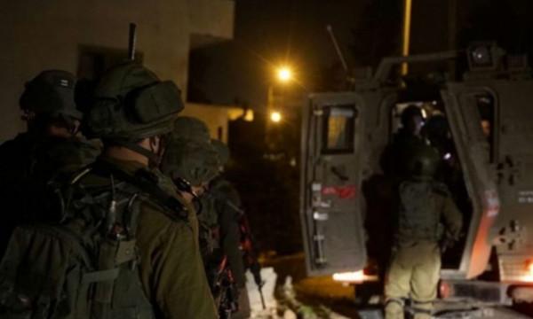 الاحتلال يعتقل 4 فتية في الضفة والقدس
