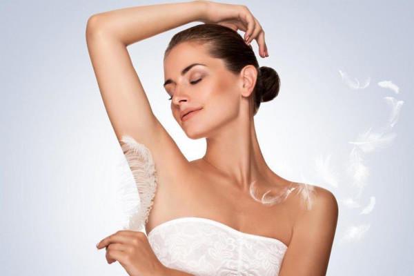 تفتيح تحت الإبط قبل ارتداء فستان الزفاف وبخلطات طبيعية