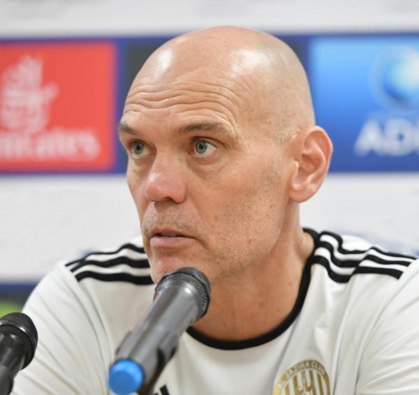 يورغن ستريبل: روح الفريق مفتاحنا للفوز بهذا الموسم