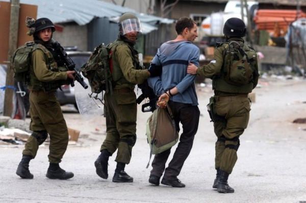 قوات الاحتلال تعتقل شابا من جبع على حاجز عسكري جنوب نابلس