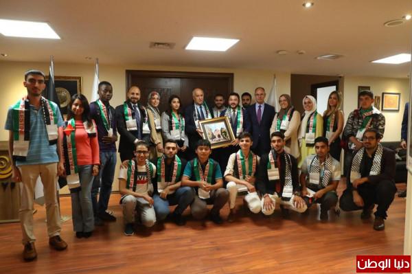 الرجوب يبحث سبيل تعزيز التعاون مع رئيس منتدى التعاون الاسلامي للشباب