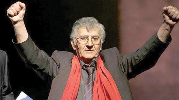 """خمسة أعوام على رحيل شاعر المقاومة الفلسطينية """"سميح القاسم"""""""