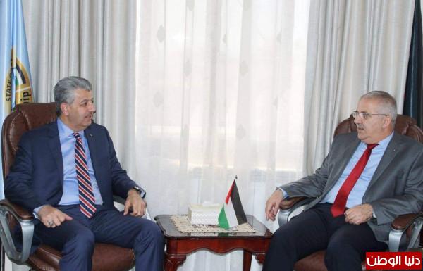 الوزير سالم: مصرون على الإرتقاء بجودة الخدمات المقدمة للمواطن الفلسطيني