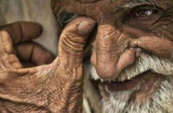 مُسن يُناشد أهل الخير: عمري 74 عاماً وقد أُسجن بسبب تراكم الإيجار