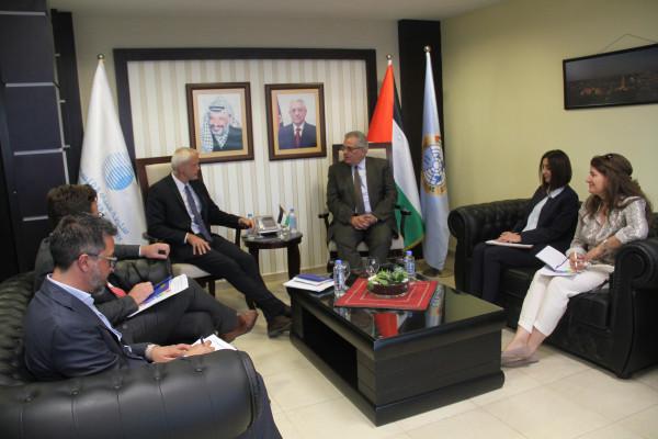 الوزير غنيم يلتقي ممثل الاتحاد الأوروبي