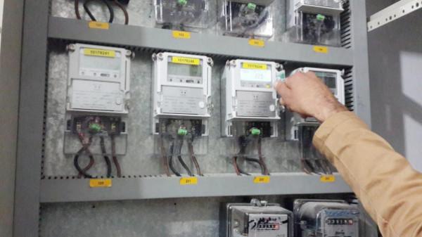 شركة (ساتكو) تَرُدُّ على تحقيق استقصائي حول عدادات الدفع المسبق للكهرباء بغزة
