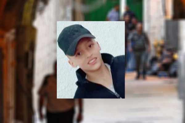 المئات في العيزرية يُشيعون جثمان الشهيد الطفل نسيم أبو رومي