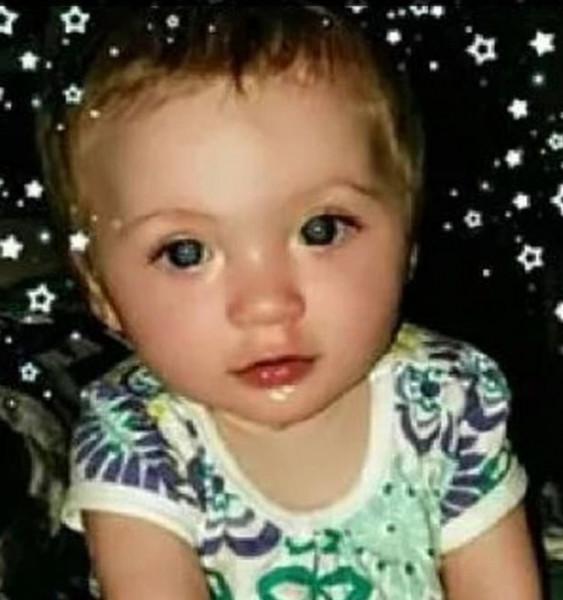 أم أمريكية قتلت طفلتها بعد فركها الهيروين في لثتها لتسكين ألم التسنين