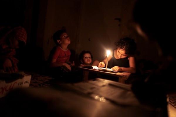 شركة الكهرباء الإسرائيلية: سَنَقطع الكهرباء عن الضفة الغربية بدءاً من الغد