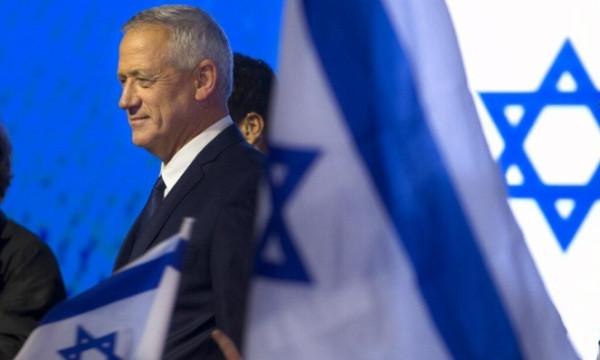 (كاحول لافان) يرد على أنباء توصية القائمة المشتركة بغانتس رئيساً للحكومة الإسرائيلية