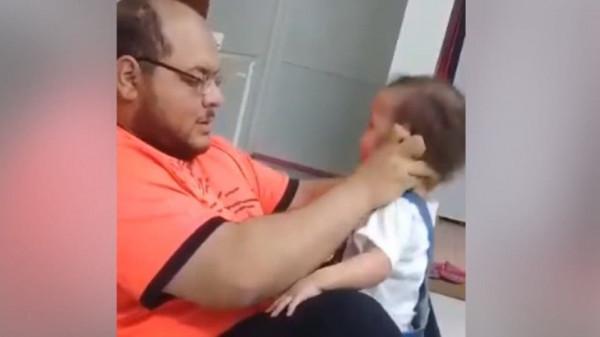 """الشرطة السعودية تُعلن القبض على """"مُعذب طفلته"""""""