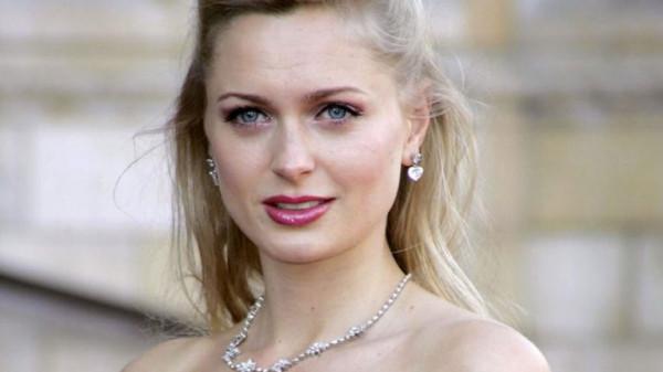 عارضة أزياء بريطانية تكشف تعرضها للاغتصاب على يد جيفري إبستين
