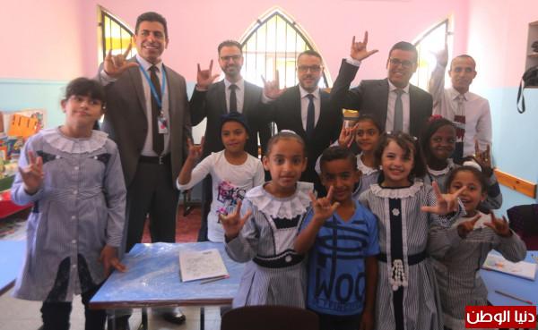 جوال وجمعية التأهيل يفتتحان مشروع إعادة تجهيز وتهيئة الغرف الصفية لمدرسة بيسان