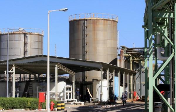 سلطة الطاقة تُعقب على قطع إسرائيل للكهرباء عن مناطق بالضفة الغربية