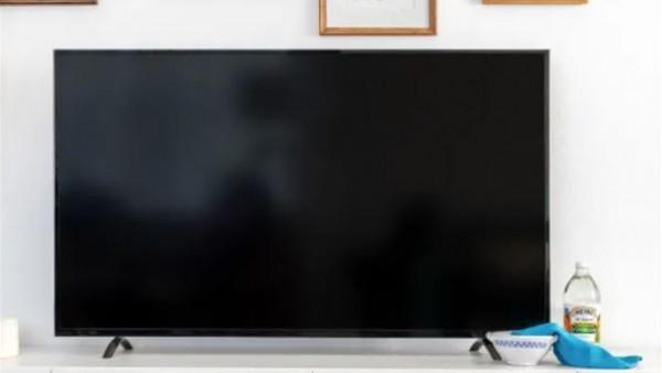 بالخل والماء.. 3 خطوات تجعل شاشة التليفزيون نظيفة